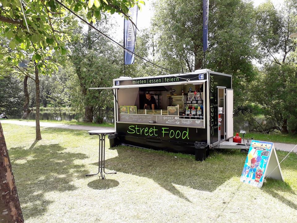 Marcos Streetfood Truck im Park
