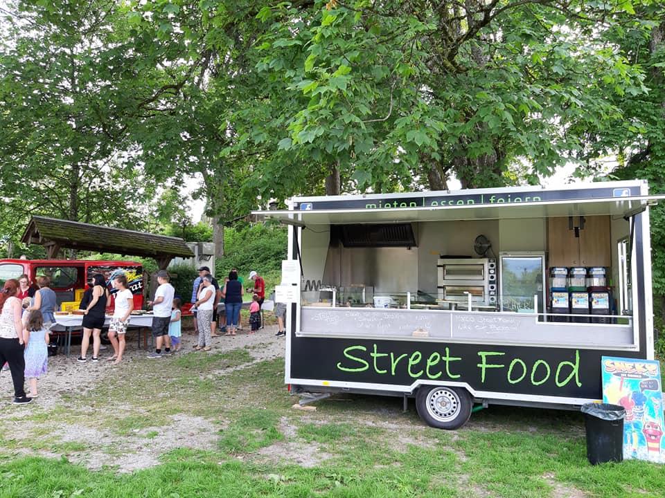 Marcos Streetfood Truck im Grünen